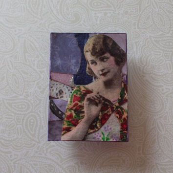 LIttle Purple Fridge Magnet With Pretty Woman