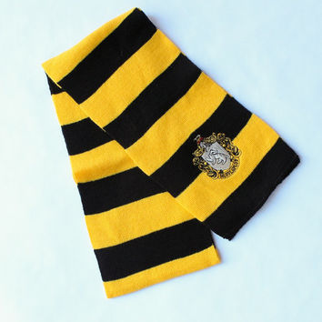 Harry Potter Scarf..... Hufflepuff Knitted Scarf 7 x 60 inches