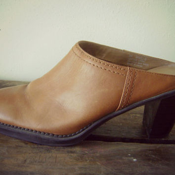 90s leather mule boots | vintage 1990s slip on shoes | size 8 | hippie boho | heeled clogs | hipster | brown leather mules | heeled mules