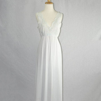 Vintage 1970s Blue Nightgown Full Length Size 34 Beautiful Lace Bodice and Trim
