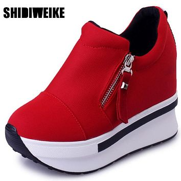 SHIDIWEIKE Wedges Women Boots 2017 Platform Shoes Woman Creepers Slip On Ankle Boots Fashion Flats Casual Women Shoes B348