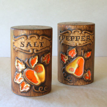 Oversized 1960's WOODGRAIN Treasure Craft SALT & PEPPER Shakers // Mid Century Faux Bois Vintage Salt and Pepper Retro California Pottery