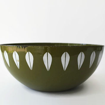 Vintage Cathrineholm Lotus Bowl, Avocado Green Enamel 8""