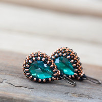 Emerald green earrings with green teardrop glass bead in copper brown beadwoven bezel, seed bead jewelry, Beaded earrings, mother's day