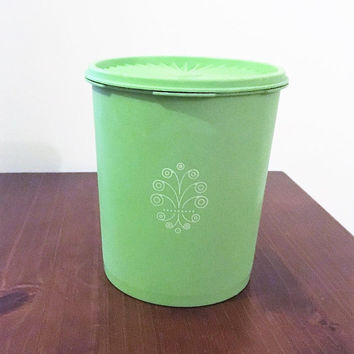 Vintage Retro 1970s Apple Green Servalier Tupperware Canister and Lid / Retro green Tupperware container /Large 2 Litre size