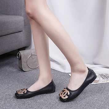 Women Temperament Fashion All-match Letter Metal Buckle Round-toe Shallow Mouth Loafer Lazy Flats Shoes