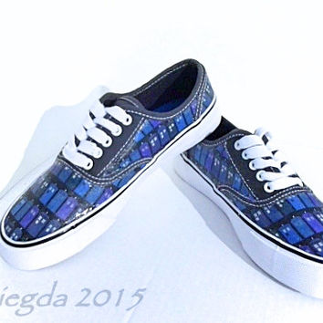 The Tardis Blues-Doctor Who-Womens Shoes-Made to Order-Custom shoes-Comic shoes-Cosplay-Fan Art-Made to Order