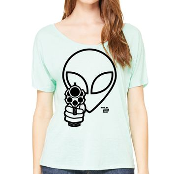 Ames Bros Women's Come in Peace Flowy Simple Tee