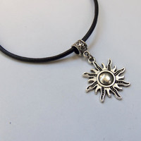 90s grunge sun sol celestial charm choker in hippie hipster style