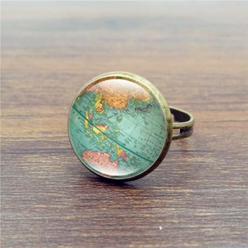 Adjustable Vintage Glass Dome Globe Ring - FREE WORLDWIDE SHIPPING