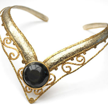Brutalist gold black Collar Necklace - gold tone and silver  choker - signed Hecho Mexico  - black onyx glass  - V Shaped  cuff necklace