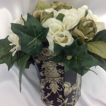 Christmas Table Decor, White roses Sage Green Floral arrangemnet, Gift for Hostess, Romantic Gift, Gift for mom, Wedding Centerpiece decor,