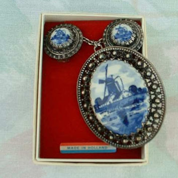 Dutch Holland Blue Delft SET Necklace Brooch Earrings in Box Vintage Jewelry