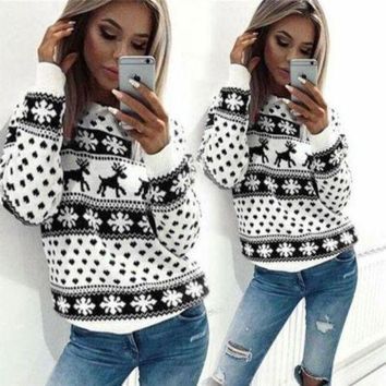 DCCK8H2 Winter Snowflake Christmas Reindeer Sweater