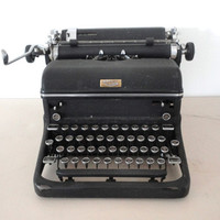 Typewriter Royal KMM Black Great Industrial Style Magic Margin Working Typewriter 1939