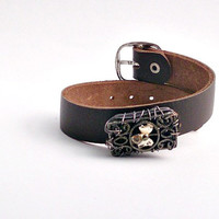 Brown leather like flower motif bracelet