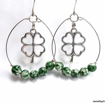 Shamrock Earrings, Tree Agate Forward Hoop Earrings, St. Patrick's Day Silver Green Memory Wire Earrings. Green Dangle Irish Celtic Earrings