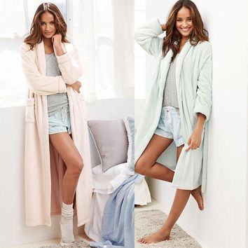 VLX2WL The new autumn and winter Ms. thick flannel nightgown lengthened Ouma bathrobes solid color simple [9093784970]