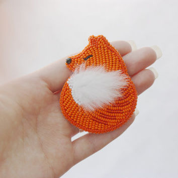 Brooch handmade beaded, beadwork, embroidered brooch fox foxy, brooch with embroidery, orange red white fox, brooch with animals, for her