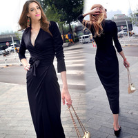 Black V-neck Tie Waist Knitted Dress