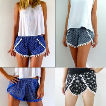 Lace Printed Elastic Waist Shorts Beach Pants B0015162