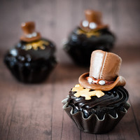 Tootsie Roll Modeling Chocolate on Steampunk Cupcakes - Bakingdom