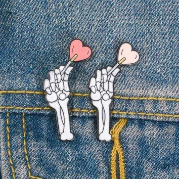 2pcs Skeleton and Heart Lapel Pins