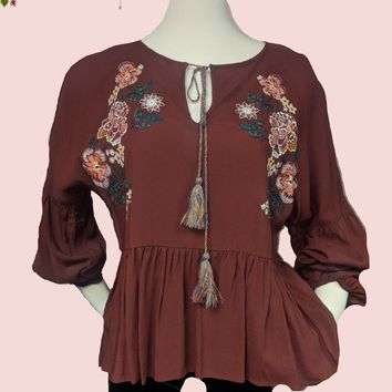 Chelsea and Violet beautiful embroidered top