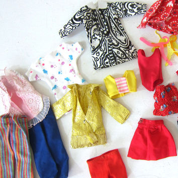 CLEARANCE SALE! vintage collection of barbie doll clothes / raincoats, hangers and outfits