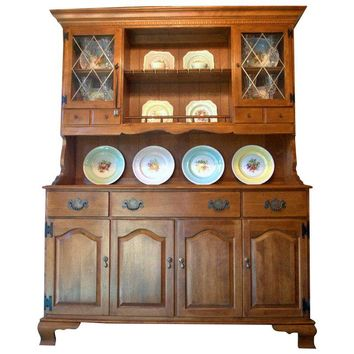 Pre-owned Ethan Allen Early American Solid Maple Hutch