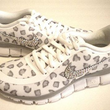 Cheetah Nike Free Run 5.0 V4 Print Shoes - White / Wolf Grey / Pure Platinum - Bedazzl
