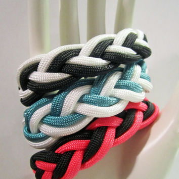 Custom Two-Colored Paracord Sailor Knot Bracelet