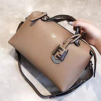 FENDI fashionable lady casual shoulder bag hot seller of shopping patchwork bag Deep khaki