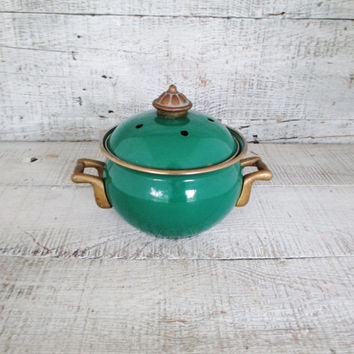 Potpourri Pot Enamel & Brass Simmer Pot Enamelware Small Enamel Simmering Pot Miniature Pot Mid Century Small Pot with Lid Cottage Chic