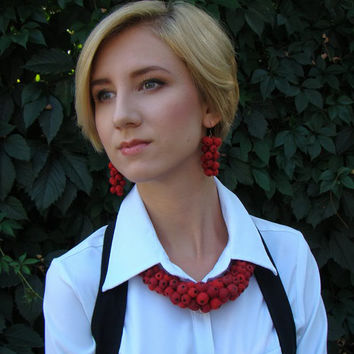 Red berries Bright set of necklace and earrings Ready to ship