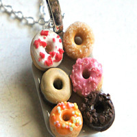 donut plate necklace