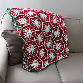 Snowflake Christmas Blanket - Holiday Afghan - Hexagon Crochet Blanket - Red Green and White Throw - Bed Cover - Holiday Decor