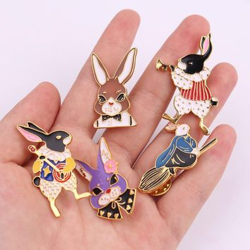 Cute Enamel Brooches Pins Alice in wonderland Brooch Rabbit Metal Brooch Pins Gift Badge Brooch Jewelry Garment Accessories