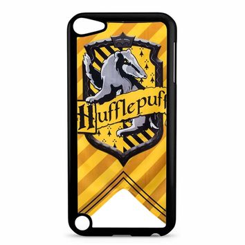 Harry Potter Hufflepuff Crest 77 iPod Touch 5 Case