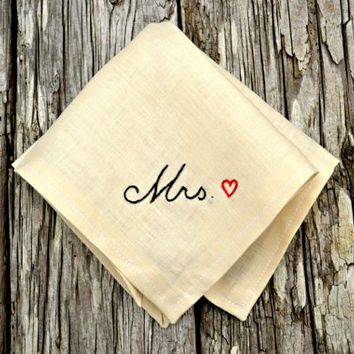 New Bride Wedding Handkerchief, Wedding Day Hankerchiefs, Bride and Groom Hankies, Bridal Hanky, Mrs Handkerchief with Heart, New Mrs Hankie