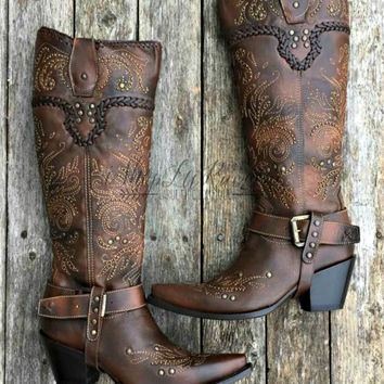 CORRAL BOOTS WHIP STITCH AND STUDS