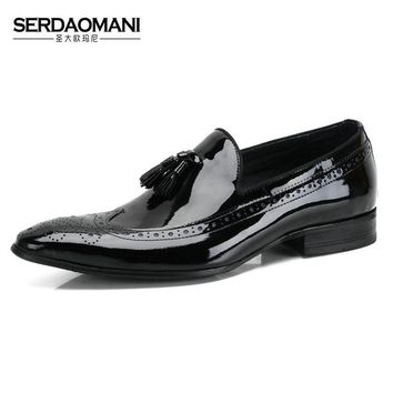 SERDAOMANI japanned leather pointed toe male genuine leather tassel breathable shoes mens loafer dress wedding shoes Derby shoes