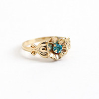 Vintage 10k Yellow Gold Teal Blue Stone Flower Ring - Size 3 Art Deco 1930s Pinky Ring Simulated Blue Topaz Buttercup Motif Fine Jewelry