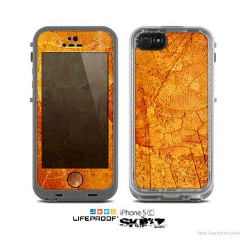 The Orange Cracked & Scratched Surface Skin for the Apple iPhone 5c LifeProof Case