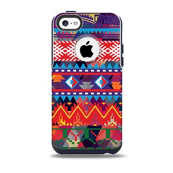 The Vector White-Blue-Red Aztec Pattern Skin for the iPhone 5c OtterBox Commuter Case