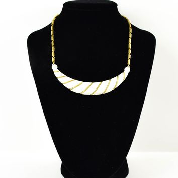 Vintage White And Gold Necklace - Goldtone Necklace - Circa 1950 - White and Gold -  for her - Valentines Da - Valentine's Day  - Wife