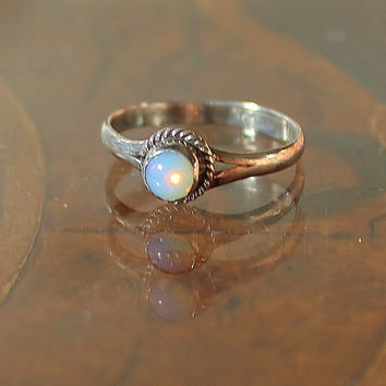 Vintage Antique Moonstone Cabochon Sterling Silver Rope Detail Ring