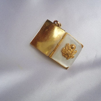 WWII era US Navy Sweetheart Locket Mother of Pearl  with 1/20 12K GF Gold Filed