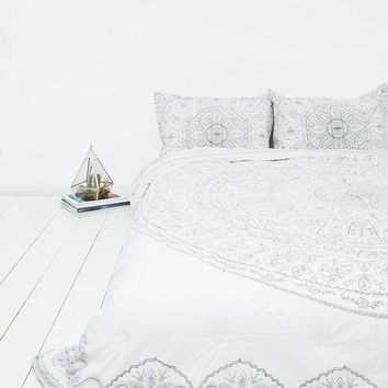 Soukay Comforter - Urban Outfitters