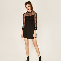 CONTRAST FABRIC LACE DRESS DETAILS